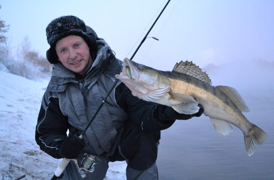 Лучшие зимние костюмы для рыбалки